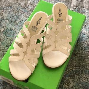 East 5th EF ERIS White Heeled Sandals. Size 6